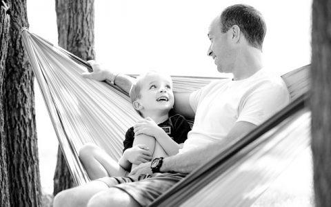 """O pai que criou um """"pâncreas artificial"""" para o filho com diabetes"""